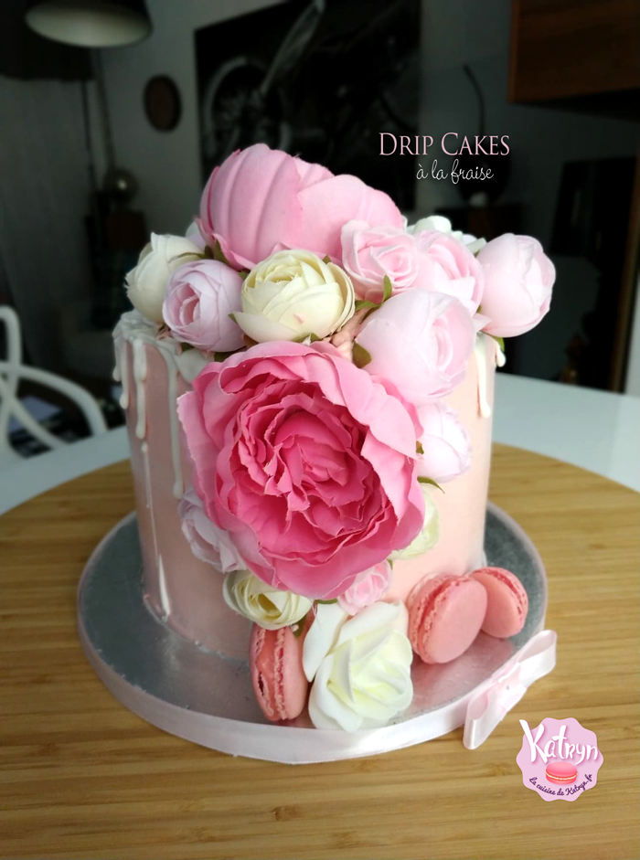 floral-drip-cake